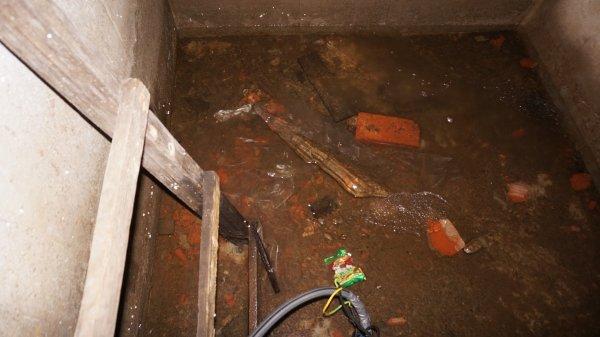 Откачать воду из подвала. Откачка без использования дренажной системы, виды насосов и их параметры. Устройство дренажной системы