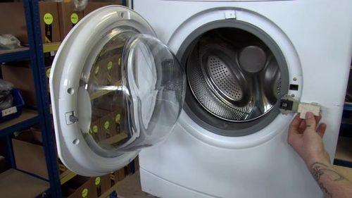 Не открывается дверь в стиральной машине: причины