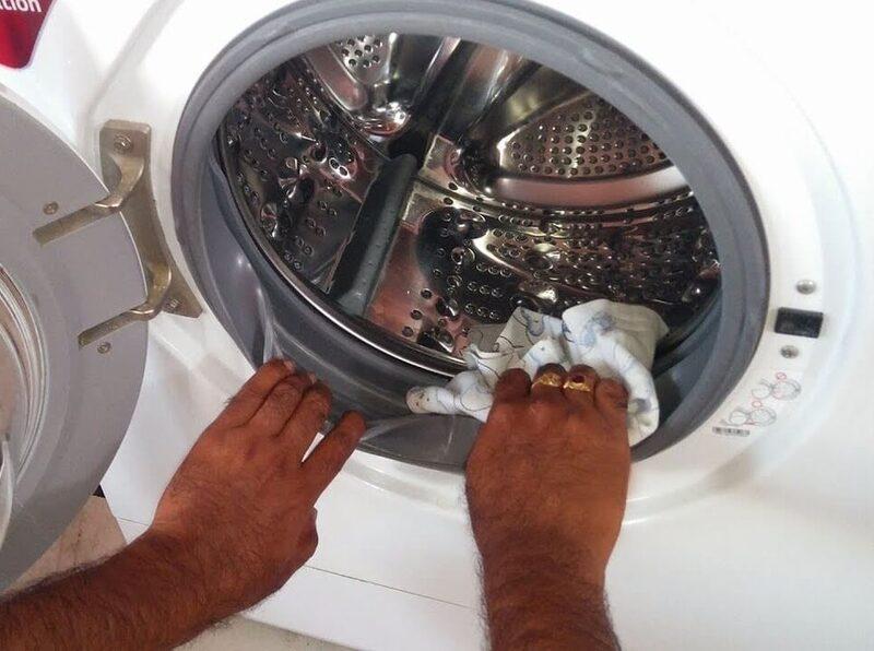 Как правильно почистить стиральную машину