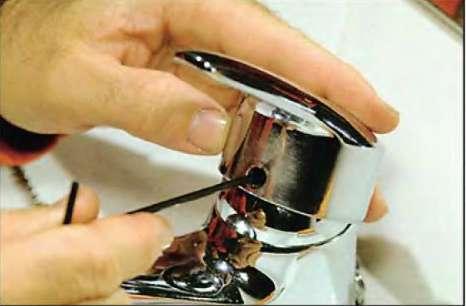 Как установить или снять кран для раковины