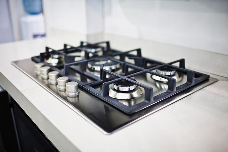 Советы, как почистить решетку газовой плиты нашатырным спиртом из разных материалов