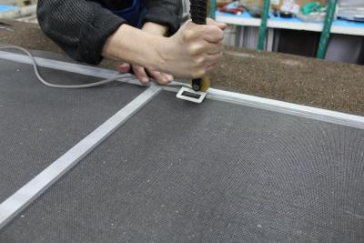 Как отремонтировать москитную сетку своими руками