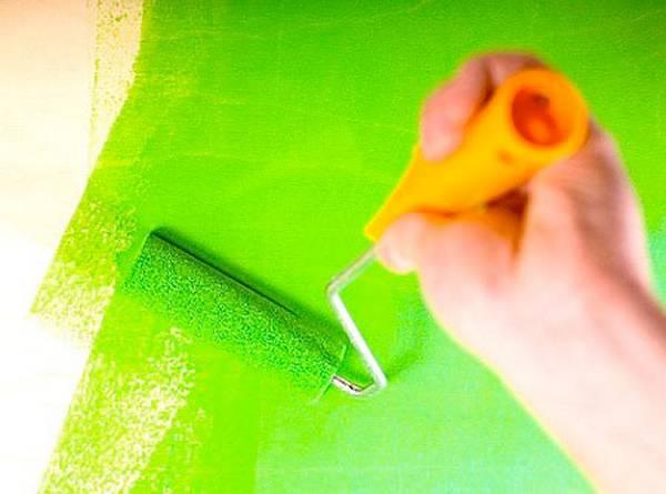 Побелка потолка водоэмульсионной краской самостоятельно