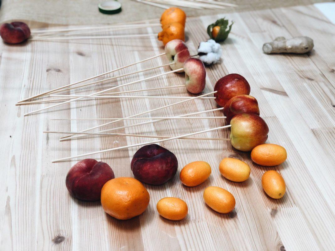 Как сделать букет из плодов клубники своими руками