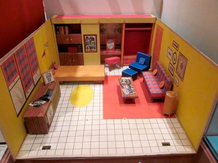 Создание красивой комнаты для кукол из подручных материалов