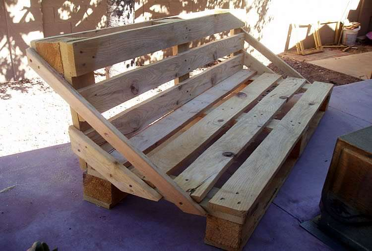 Мебель в стиле арт-лофт из старых поддонов