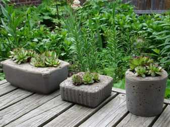 Как сделать своими руками вазон для сада из цемента и ткани