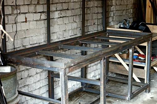 Верстак в гараж – делаем функциональную и долговечную конструкцию