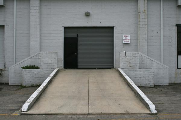 Как сделать въезд в гараж своими руками