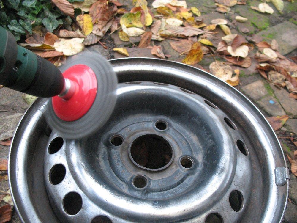 Как покрасить колесные диски автомобиля своими руками