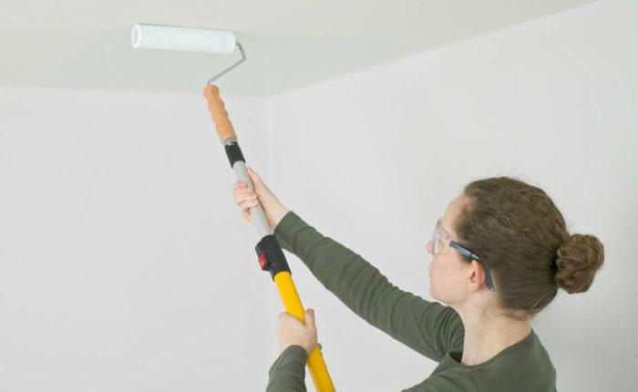 Как побелить потолок: инструкция