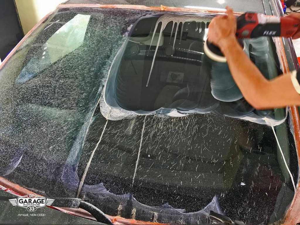 Полировка лобового стекла и обработка стекол автомобиля нанозащитой «Антидождь» в мир