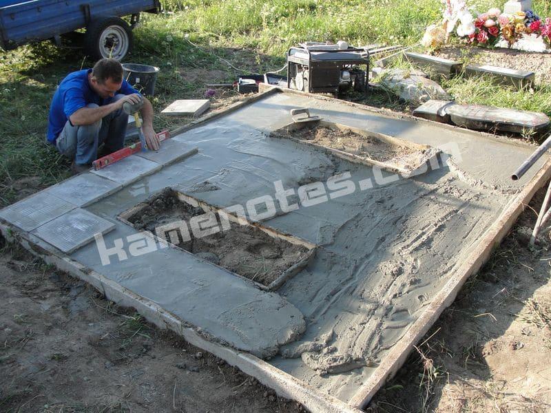 Оформление могилы на кладбище плиткой