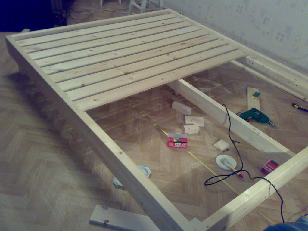 Как сделать деревянную кровать