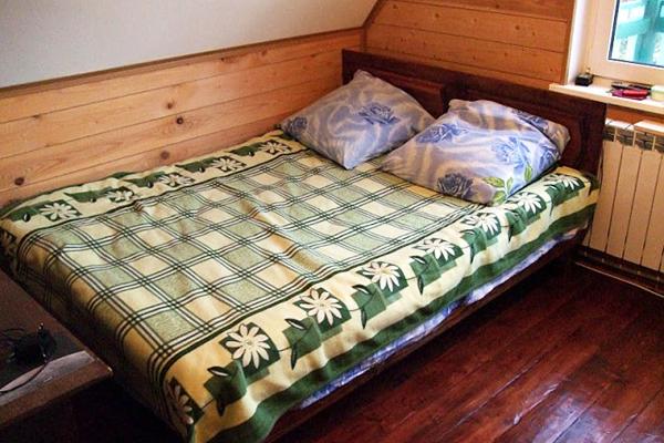 Кровать своими руками из дерева для дачи