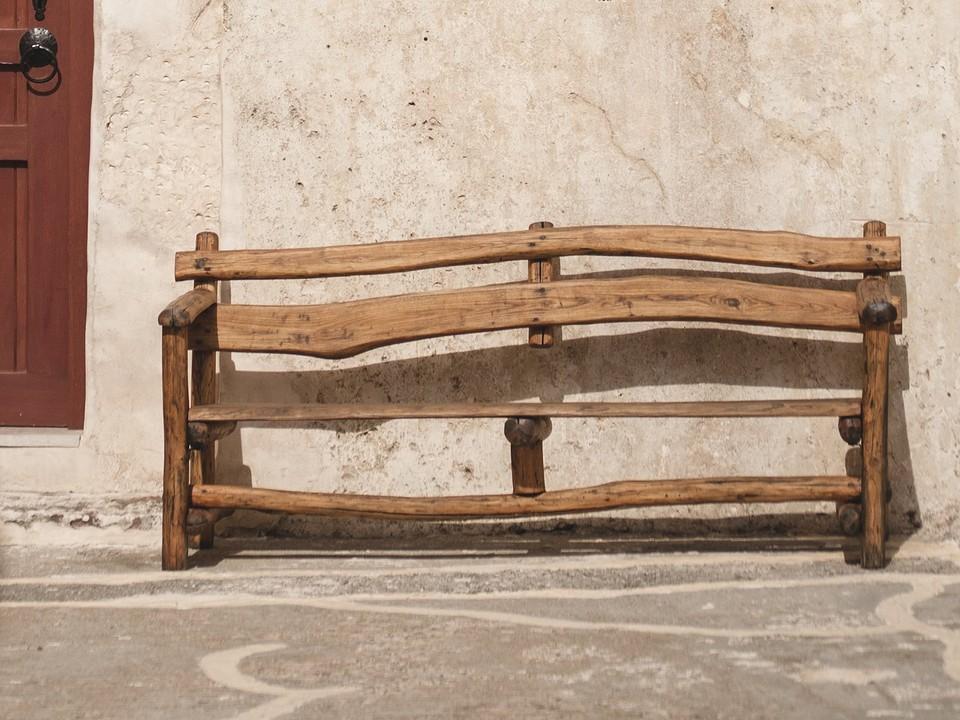 Делаем садовую скамейку со спинкой своими руками: инструкция без сложных чертежей