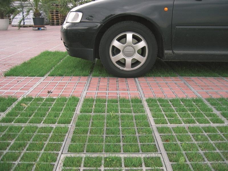 Стоянка для машины на даче: примеры устройства открытых и закрытых площадок