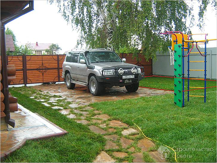 Машине — место. Как обустроить парковку на даче