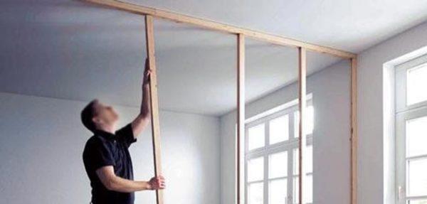 Монтаж гипсокартонной перегородки в доме из дерева