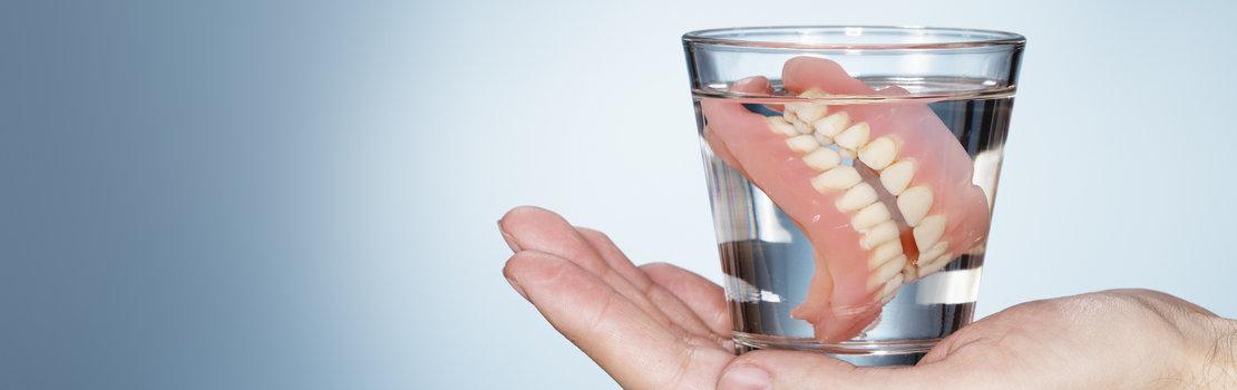 Восстановление после съемного протезирования: образ жизни и правила ухода за новыми зубами