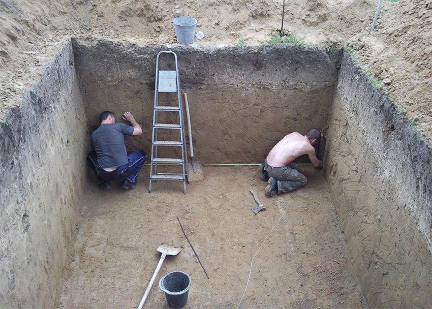 Как сделать погреб на даче своими руками, если грунтовые воды близко