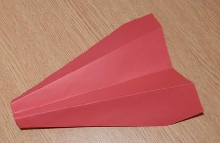 Как сделать из бумаги самолет. Подробно про три разных варианта