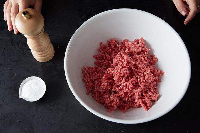 Колбаса холодного копчения в домашних условиях: рецепты с фото, видео
