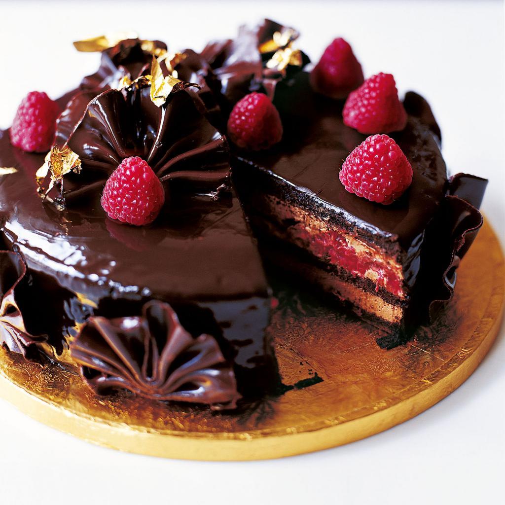 Как своими руками украсить торт для мальчика: варианты, легкие способы украшения и описание с фото